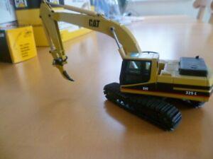Baufahrzeug Hydr. Bagger von Caterpillar, NZG