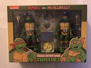 NECA Teenage Mutant Ninja Turtles Action Figure 2 Pack Raphael Michelangelo