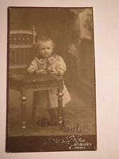 Hamburg - kleiner Junge Erich mit Ball - Stuhl - Kulisse - Portrait / CDV
