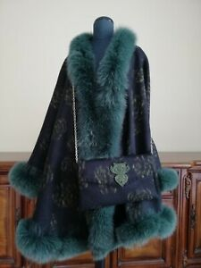 NEW BEAUTIFUL  CASHMERE CAPE WITH ARCTIC FOX FUR TRIM & BAG TOP QUALITY