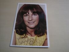 Sian Reeves (Mount Pleasant, Emmerdale) hand signed RARE **FREE POST**