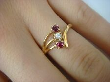 14K YELLOW GOLD RUBIES AND DIAMOND LADIES FREE STYLE SMALL RING, 2.4 GRAMS