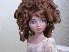 Monique Wig CHARMAINE Size 6-7 Light Auburn Ellowyne Volks Evangeline Unoa