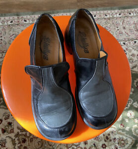 Vintage 90s Does 70s Black Shellys Shoes