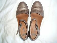 *CLARKS* bronze leather ankle strap mid heel shoes - UK 6 (Euro 39.5) VGC
