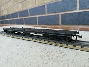 Hornby dublo 3 rail D12 coach chassy spares or repairs