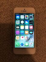 Apple iPhone 5 - 16GB - white -  locked to at&t network