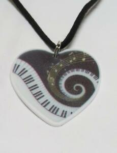 CG3531...MUSIC HEART PENDANT ON A BLACK SUEDE CORD - FREE UK P&P