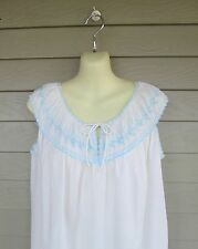 Vintage Komar Womens Lovely White & Blue Embroidered Floral Trim Nightgown  S