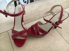 Neue High Heels von Guess by Marciano 40 samt rot