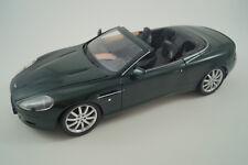 Minichamps Modellauto 1:18 Aston Martin DB9 Volante