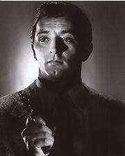 Robert Mitchum 8x10 photo T4035
