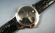 Vintage Bulova Black Diamond Dial Automatic Stainless Steel Mens Watch 1973