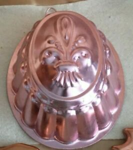 VINTAGE PINK ALUMINUM (COPPER) FLEUR DE LIS JELLO MOLD- NOS