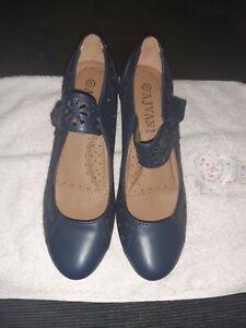 Ajvani shoes Size 5 New Without Box