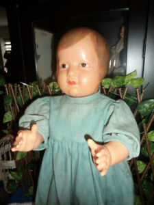 Seltene Petitcollin Colinette von 1925 - 55 cm groß mit braunen Augen