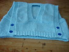 BRAND New Hand Knitted Boys Blue Chaleco Top en Talla 18 in (approx. 45.72 cm) pecho 45cms 3/6 meses