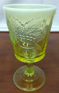 """LG Wright VASELINE OPALESCENT Strawberry & Currant Glass 6 3/8"""" WATER GOBLET"""