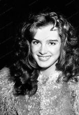 8x10 Print Brooke Shields 1980's Cute Candid #BS02