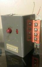 Honeywell R8184G 1138 Oil Burner Control