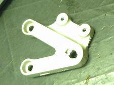 SUZUKI GSXR750 GSXR 750 K2 02 front lh left hand hanger bracket brace