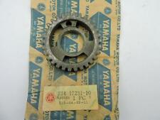 214-17231-10 NOS Yamaha 3rd Wheel Gear 30T DT1 RT1 1970s Y141e