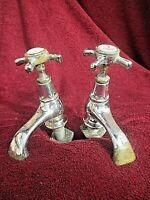 ancienne paire de robinets en métal chromé et laiton-début XXième