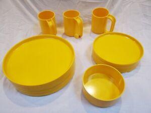 Vintage Heller Design by Vignelli - Set of yellow 8 plates, 3 mugs & 1 bowl