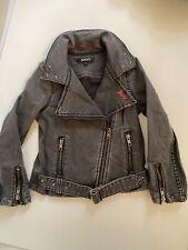 DKNY Mädchen Coole Jeansjacke mit Nieten Jacke Jeans 5 104 110 116 grau neu