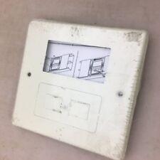 Wiremold V4047RF 2-gang Decorator / modular furniture - ivory faceplate