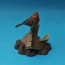 WELL DETAILED BORDER FINE ARTS ROBIN FIGURINE - AYRES