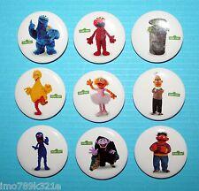 Sesame Street Piñata Toys Party Favors Badge 3cm Tin Buttons Elmo Ernie Bert NEW