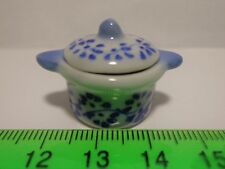 1:12 Scale Ceramic Hot Pot / Casserole Pot Dish Dolls house Miniatures. Kitchen