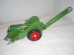 Oliver 70 w/2 Row Mounted Picker