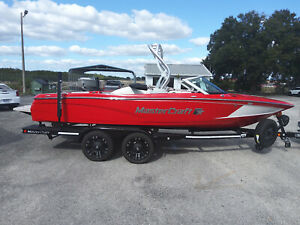 2019 MasterCraft Prostar Low Hours Loaded boat. Tower!