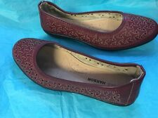 Sag Harbor Slip On Shoes Size 7.5