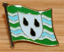 WORCESTERSHIRE Worcester England County Flag Enamel Pin Badge UK Great Britain