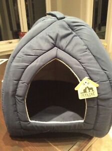 SMALL Pet Small Dog Cat Cave House IGLOO Bed 30 cm x 30 cm sq