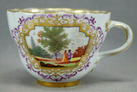 Meissen Hand Painted Courting Couple Landscape Scene Puce Gold Tea Cup 1745-1750