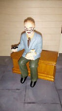 Dolls house figure 1/12th scale poly/resin Grandad with cat DP209