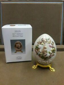 GOEBEL,  2019 ANNUAL EGG, 42ND EDITION, MOTIF-BUNNY IN WREATH, FREE USPS SHIPPIN