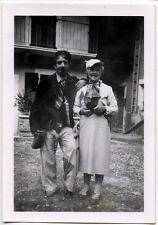 Couple homme femme déguisement - photo ancienne an. 1953