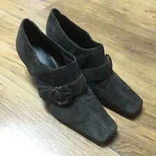 Liz Claiborn Women's Size 7.5M Extra Sharp And Unique Dress Shoes With Heels