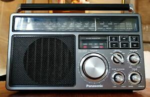Panasonic RF-1405L tragbarer 4-Band Radio Weltempfänger mit Phono/Aux Eingang