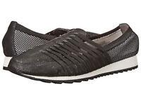 EASY SPIRIT Womens 6 M Casual Walking Shoes Black Slip-On NEW