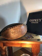 Homme Osprey Rugger toilette Washbag craquelé veau chocolat marron en cuir ballon de rugby