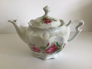 Small Floral Teapot, Ideal For two cups, Vintage, Good Condition