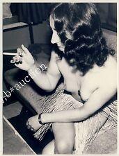 Fête! young nude woman w velours skirt/nu M bastrock * 60s amateur photo
