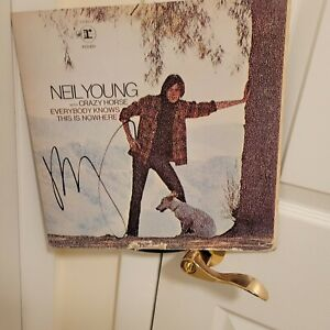 Neil Young signed lp **Everybody Knows This Is Nowhere***