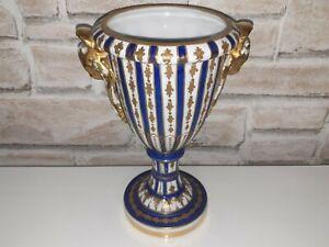 Sèvres Vase  Ancien En Porcelaine  Signé  Et Daté  De 1764  ( L )